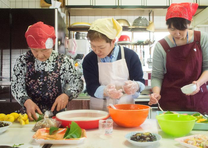 岩城島「でべそおばちゃんの店」料理体験