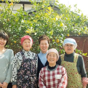 岩城島「でべそおばちゃん」
